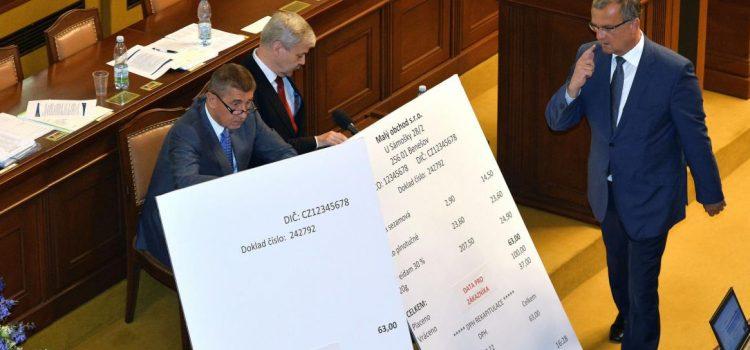 Poslanci schválili rozšíření EET, dotkne se řemeslníků, lékařů i chovu velbloudů a kosmické dopravy