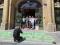 Aktivisté zablokovali ministerstvo pro místní rozvoj, požadují uhlíkovou neutralitu