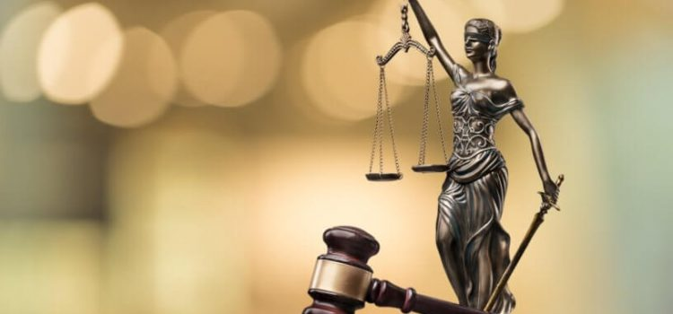Ministerstvo spravedlnosti plánuje zvýšit soudní poplatky, některé až na dvojnásobek