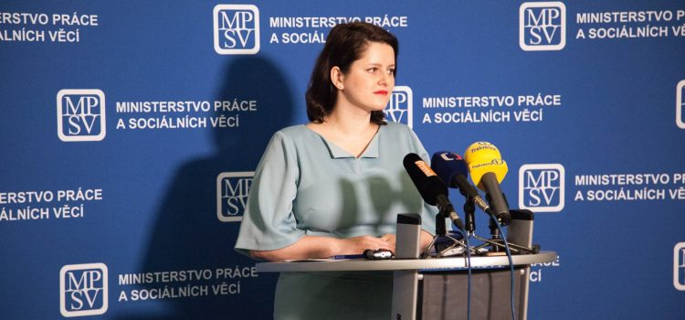 Ministryně Maláčová má řešení bytové krize: znovu zavést regulované nájemné