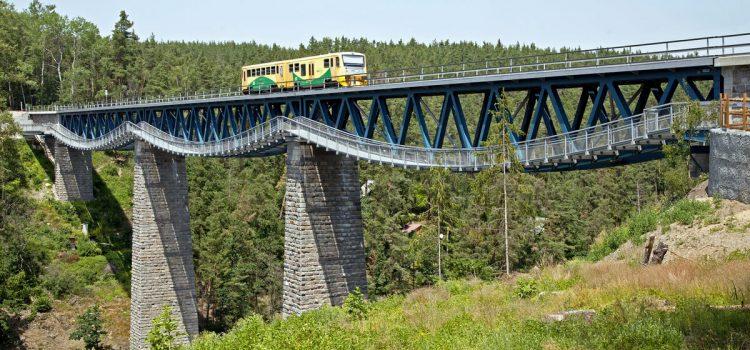 Ministr dopravy Havlíček nechá prověřit stav 24 300 železničních a silničních mostů