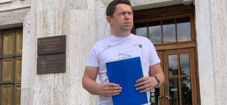 Andrej Babiš mladší narušil volební mítink svého otce. Proč jsi mi ublížil? Ptal se premiéra