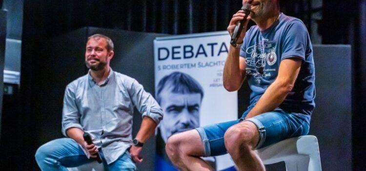 Šlachtovo hnutí Přísaha muselo stáhnout dva kandidáty, neměli čisté lustrační osvědčení
