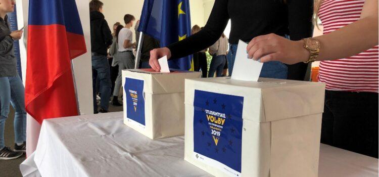 Studentské volby vyhrála koalice Piráti + STAN, vládnoucí hnutí ANO dostalo 8,5 procenta
